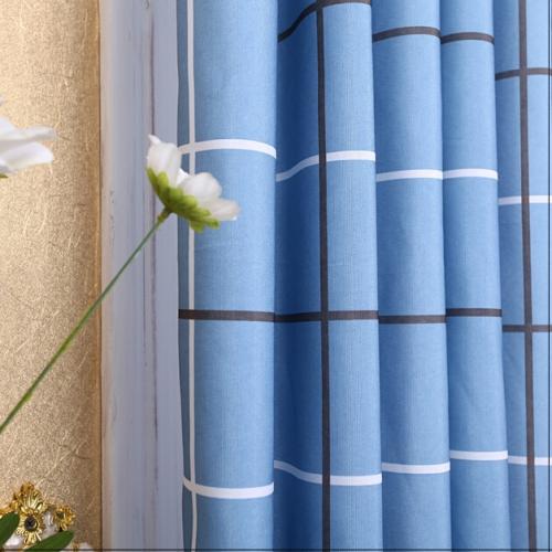 rèm xanh kết hợp họa tiết trắng